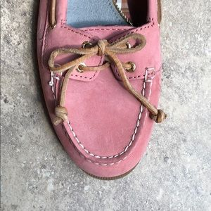Sperry Top-Sider Pink Suede Size 9.5